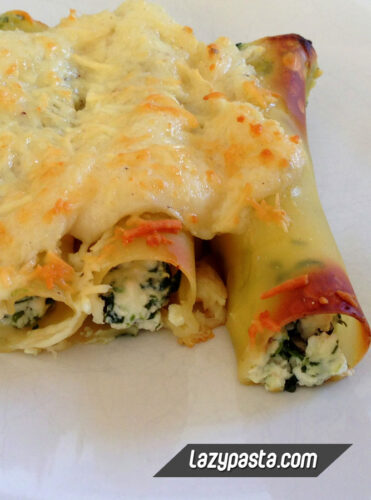 Cannelloni with spinach, ricotta and bacon.