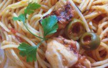 Spaghetti with seafood and lemon recipe.